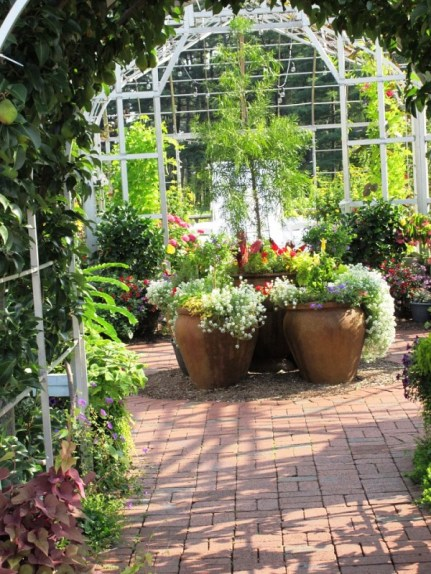 9 Botanical Gardens B.jpg