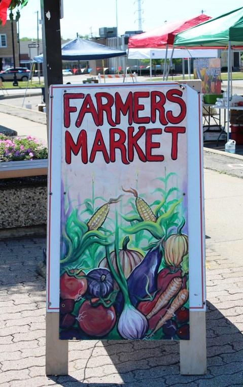 FARMERS MARKET SANDWICH BOARD1