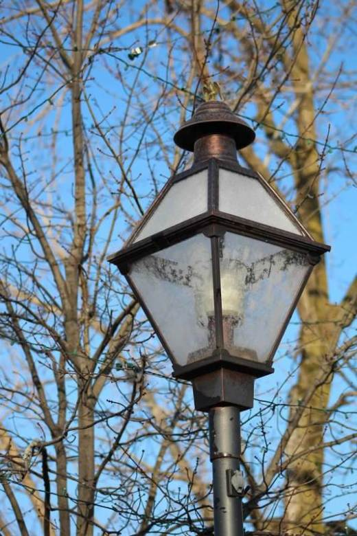 frosty gaslamp